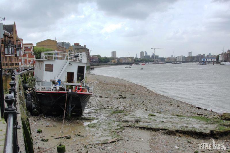 Thames docks / Doki Tamizy