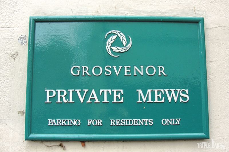Grosvenor Private Mews sign