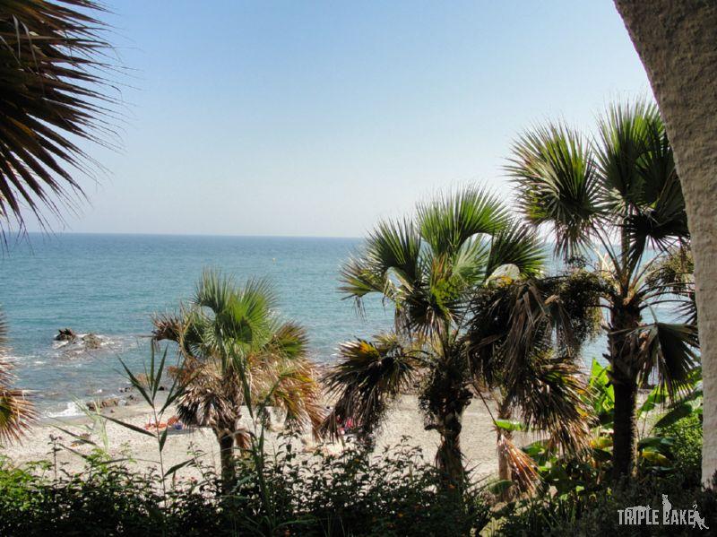 to nie zdaża się często - okno z widokiem na morze i wyjście bezpośrednio na plażę