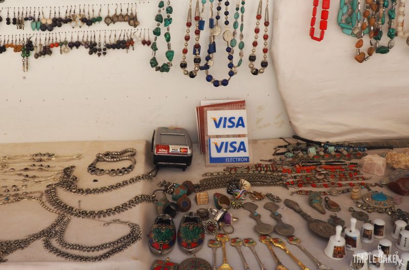 Petra, This stall accepts Visa / To stoisko honoruje płatność kartą Visa :)