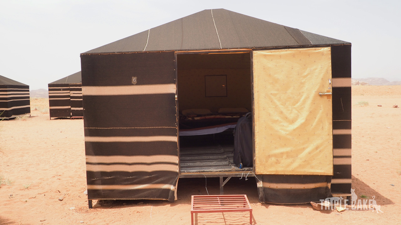 Nasz namiot w obozie w Wadi Rum / Beduin camp in Wadi Rum