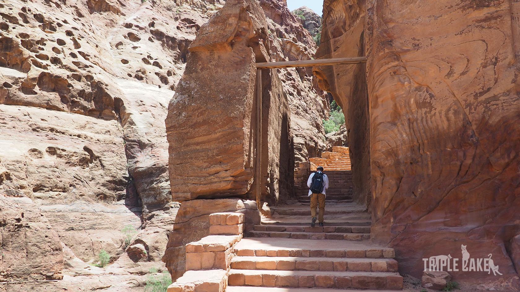 Schody do najlepszego widoku na Skarbiec / Stairs to the view point