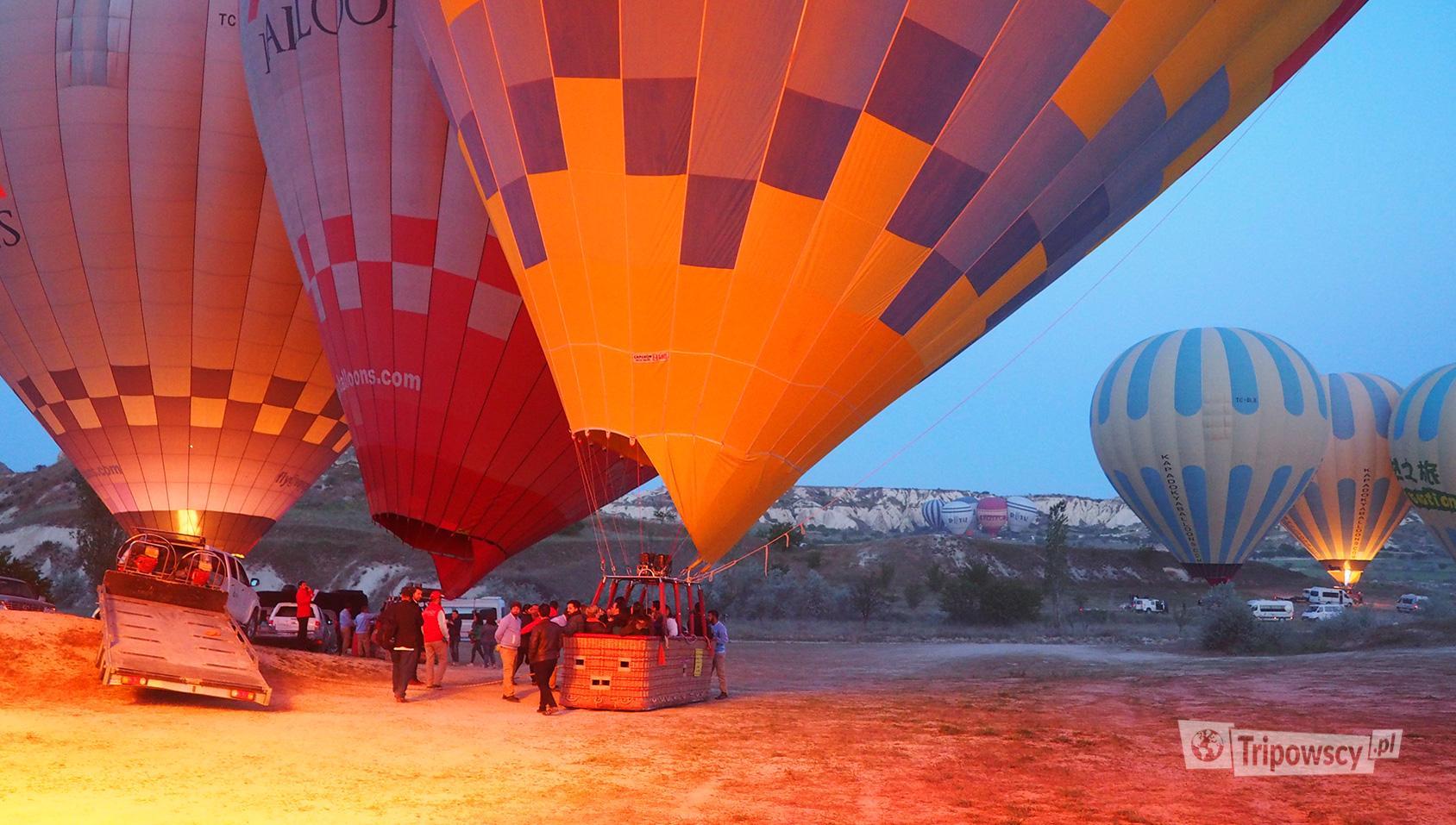 Kapadocja, Balony przed startem z Różowej doliny